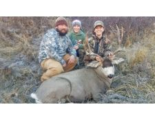 2018-Outstanding Mule Deer Enjoyed with Family
